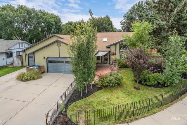 4698 N Anchor Way, Boise, ID 83703 (MLS #98813786) :: Idaho Life Real Estate