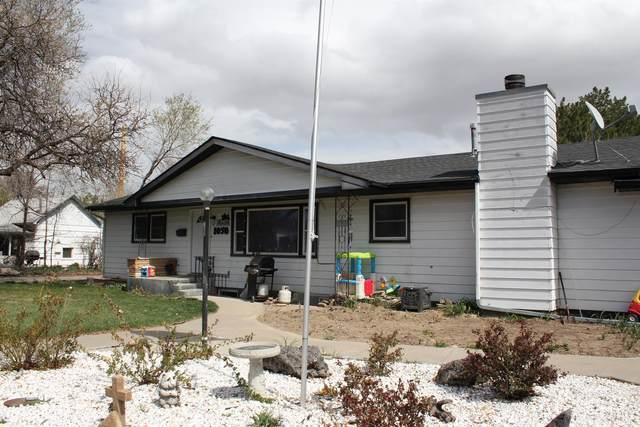 1050 N 6 East, Mountain Home, ID 83647 (MLS #98813812) :: Idaho Life Real Estate