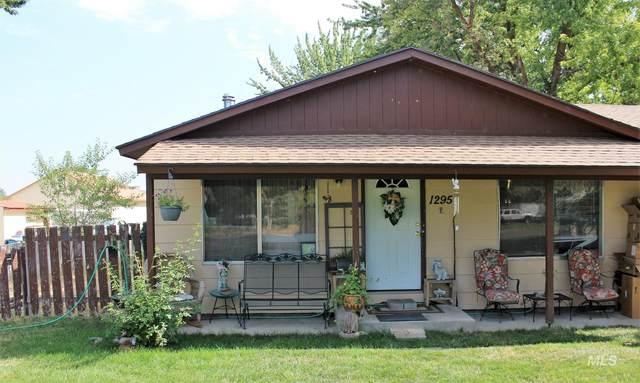 1295 Pioneer Rd, Weiser, ID 83672 (MLS #98813959) :: Boise River Realty