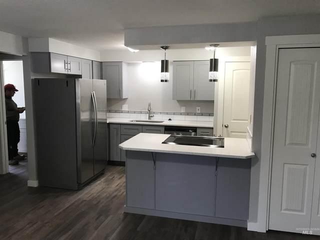 6886 W Colehaven Ln #10, Boise, ID 83704 (MLS #98813978) :: Jon Gosche Real Estate, LLC