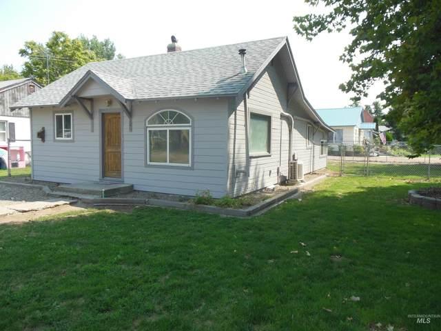 321 W Maple Street, New Plymouth, ID 83655 (MLS #98814031) :: Jon Gosche Real Estate, LLC