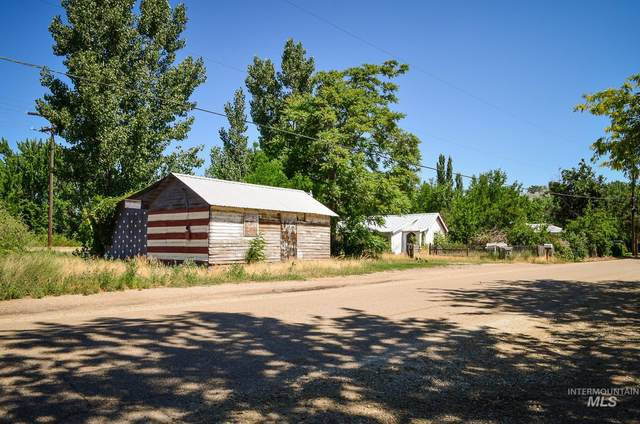 1505 Boise Ave, Caldwell, ID 83605 (MLS #98814210) :: City of Trees Real Estate