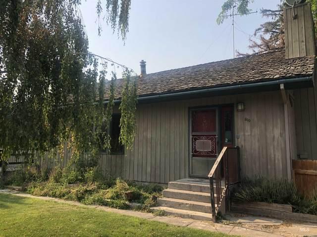 800 Robertson St, Buhl, ID 83316 (MLS #98814572) :: Juniper Realty Group