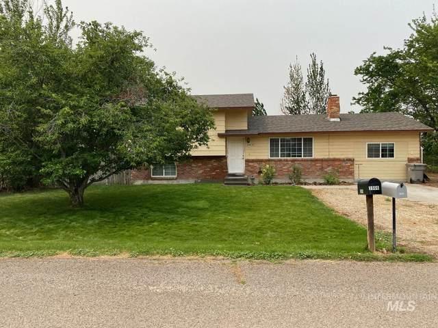 3955 NW Morris Way, Mountain Home, ID 83647 (MLS #98814617) :: Bafundi Real Estate