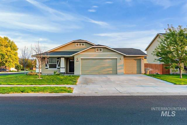 1603 W Tamarack, Nampa, ID 83651 (MLS #98815324) :: Team One Group Real Estate