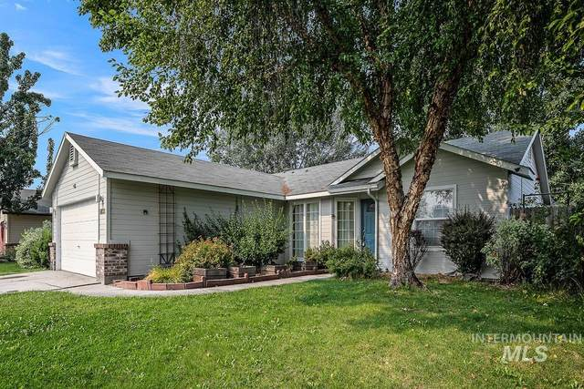 6833 N Misty Cove Ave, Boise, ID 83703 (MLS #98815529) :: Trailhead Realty Group