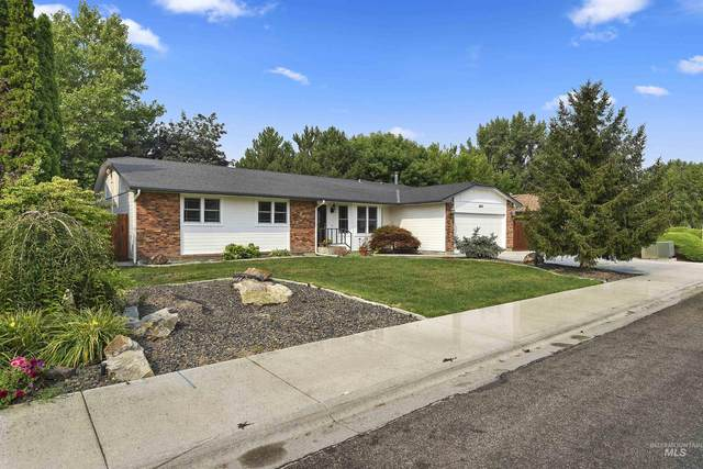 3807 W Harbor Point, Meridian, ID 83646 (MLS #98815633) :: Team One Group Real Estate