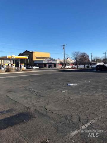 1230 Blue Lakes Blvd N, Twin Falls, ID 83301 (MLS #98815804) :: Beasley Realty