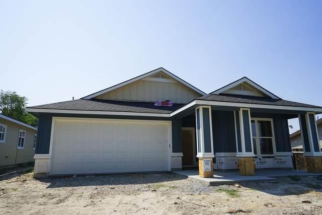 215 W Nevada, Homedale, ID 83628 (MLS #98816136) :: Build Idaho