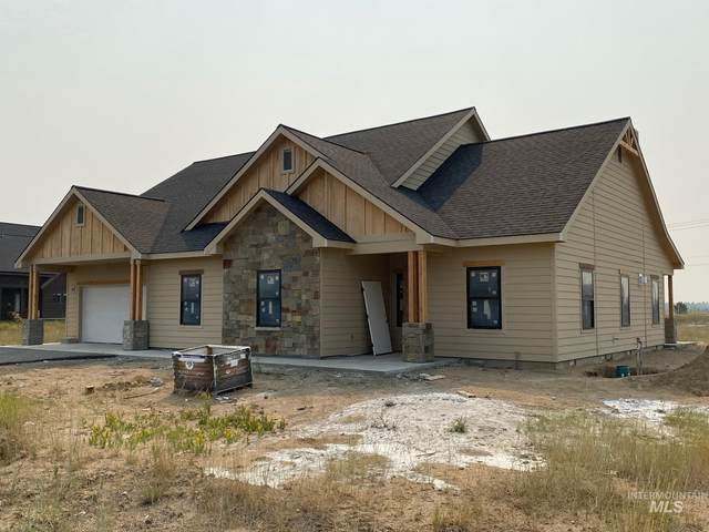 13106 Hawks Bay Road, Donnelly, ID 83615 (MLS #98816313) :: Epic Realty