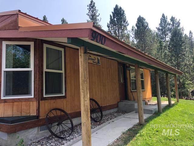 900 Divot Circle, Cascade, ID 83611 (MLS #98816570) :: Build Idaho