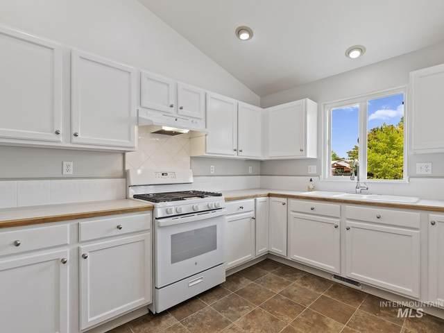 5821 S Sweet Gum Way, Boise, ID 83716 (MLS #98816811) :: Build Idaho