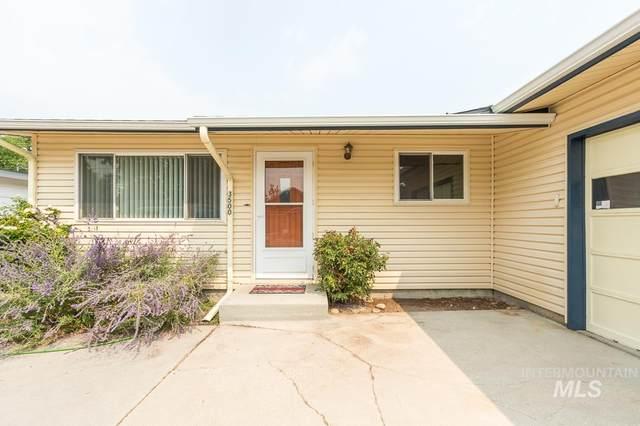 3500 W Bellomy, Boise, ID 83703 (MLS #98816824) :: Bafundi Real Estate