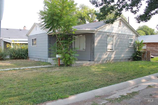 10 S Fairview, Nampa, ID 83605 (MLS #98817597) :: City of Trees Real Estate