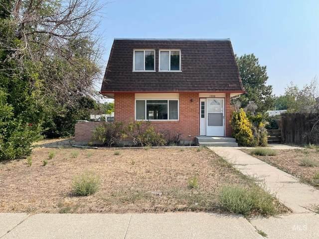 1330 N Haskett, Mountain Home, ID 83647 (MLS #98817941) :: Beasley Realty