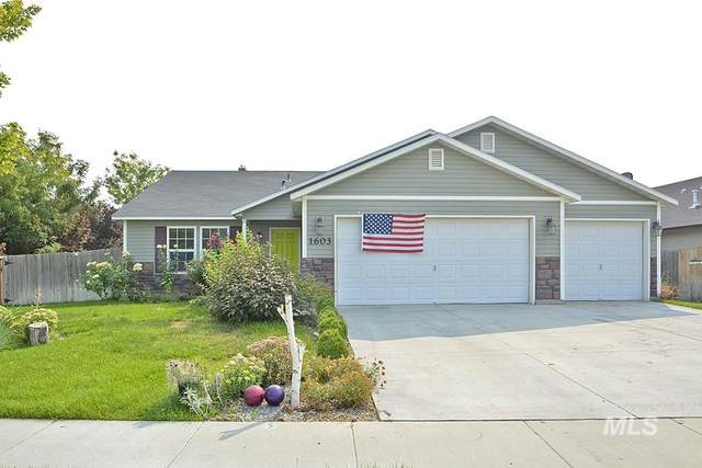 1603 W Lava Ave, Nampa, ID 83651 (MLS #98818091) :: Idaho Life Real Estate