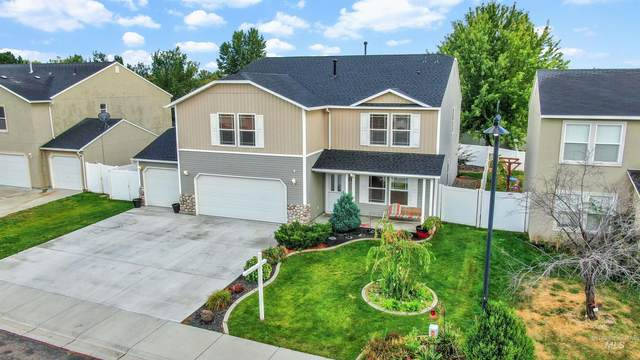 227 E Poplin, Kuna, ID 83634 (MLS #98818488) :: Build Idaho
