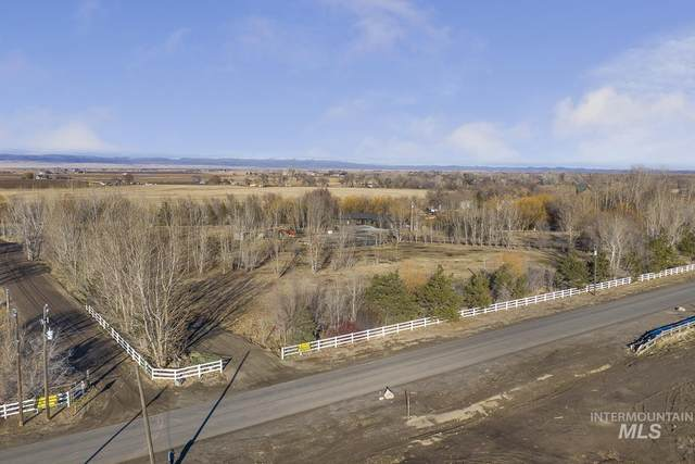 1814 E 1750 S, Gooding, ID 83330 (MLS #98818581) :: Juniper Realty Group