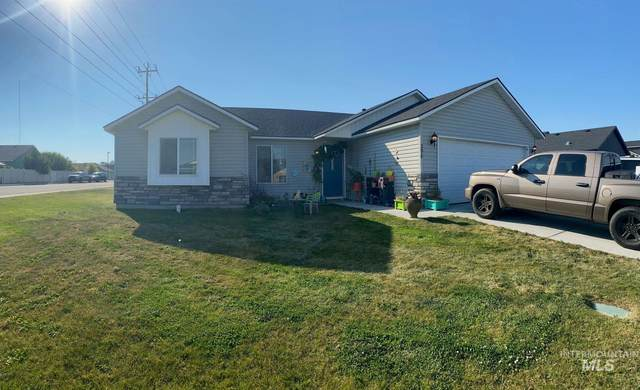 290 Benno St, Twin Falls, ID 83301 (MLS #98818796) :: First Service Group