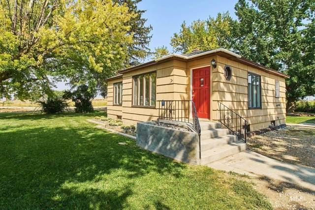 8222 Southside Blvd, Nampa, ID 83686 (MLS #98818847) :: Build Idaho