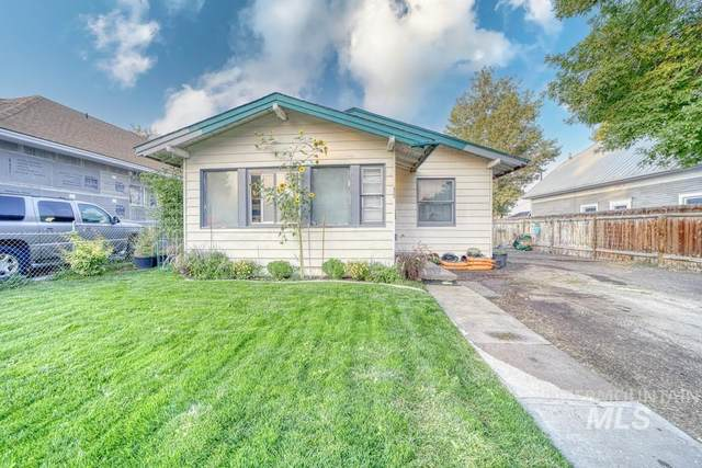 422 3rd Avenue East, Twin Falls, ID 83301 (MLS #98819012) :: City of Trees Real Estate