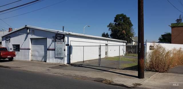 309 16th St, Lewiston, ID 83501 (MLS #98819037) :: City of Trees Real Estate
