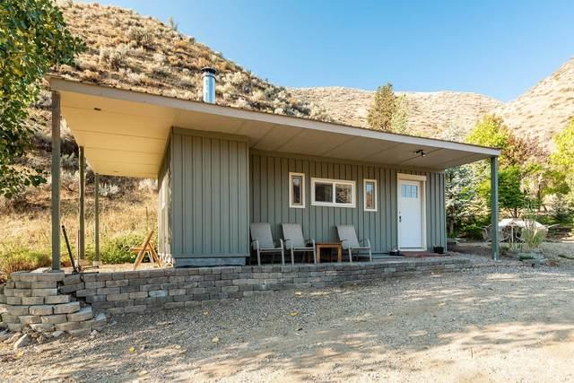 375 Old Emmet Road, Horseshoe Bend, ID 83629 (MLS #98819113) :: Scott Swan Real Estate Group