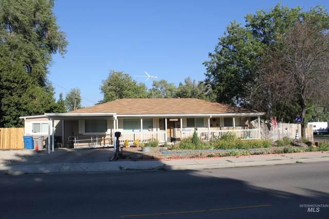 1740 N 10 E, Mountain Home, ID 83647 (MLS #98819219) :: The Bean Team