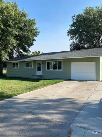 1375 E 3rd S, Mountain Home, ID 83647 (MLS #98819277) :: Build Idaho