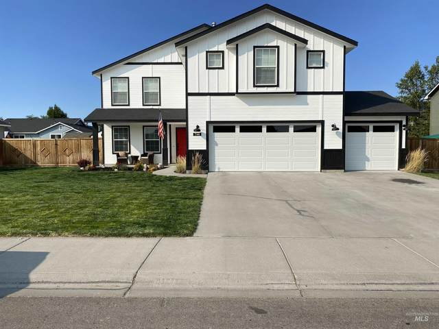 740 SW Panner St., Mountain Home, ID 83647 (MLS #98819286) :: Boise River Realty