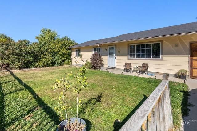 820 N School Ave, Kuna, ID 83634 (MLS #98819350) :: Adam Alexander