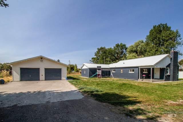 1702 Monroe Ave, Burley, ID 83318 (MLS #98819363) :: New View Team