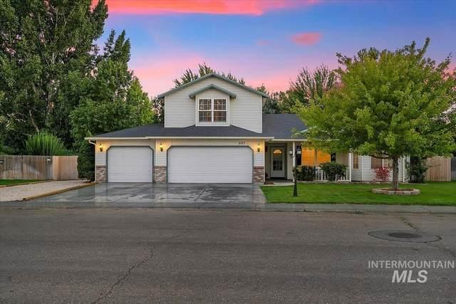 685 Laurel, Mountain Home, ID 83647 (MLS #98819371) :: Juniper Realty Group