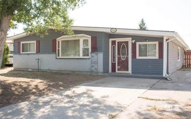 1040 E 14th N, Mountain Home, ID 83647 (MLS #98819408) :: The Bean Team
