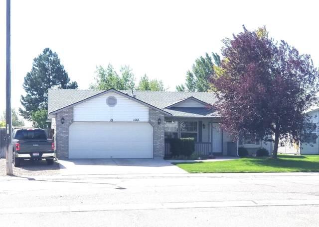 1585 Targhee St., Mountain Home, ID 83647 (MLS #98819434) :: Beasley Realty