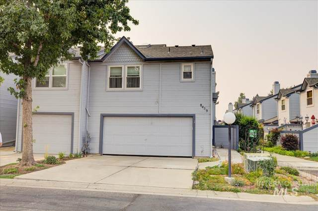 8459 W Cascade, Boise, ID 83704 (MLS #98819553) :: Team One Group Real Estate