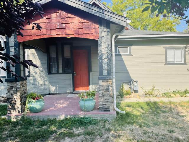 219 9th Ave N, Nampa, ID 83687 (MLS #98819659) :: Team One Group Real Estate