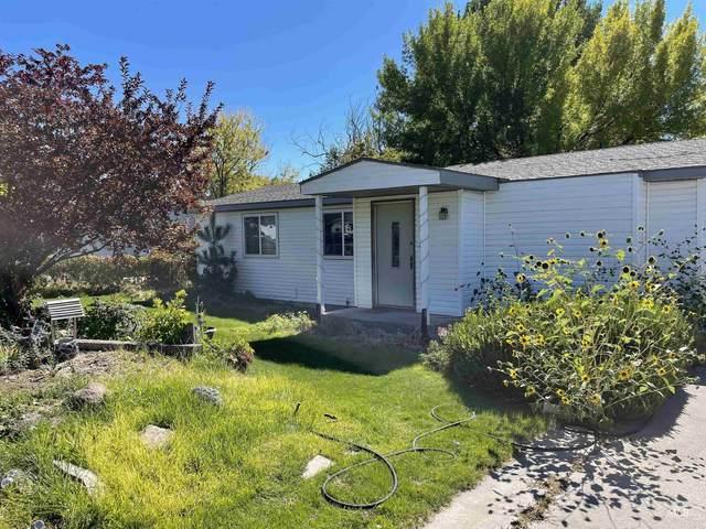 120 Pine Ave, Hansen, ID 83334 (MLS #98819839) :: Full Sail Real Estate