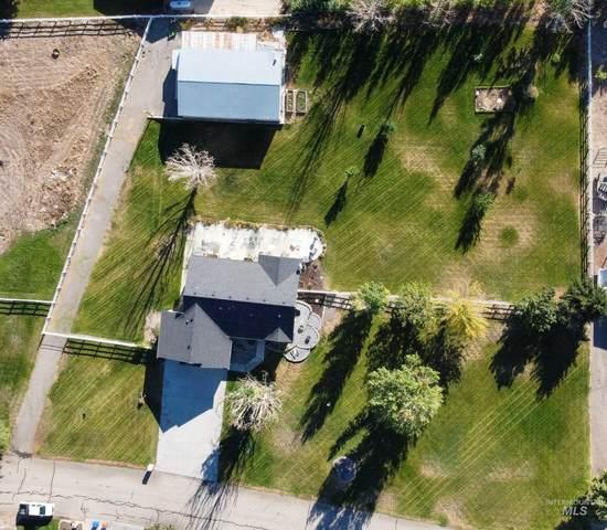 8212 S Chugiak, Meridian, ID 83642 (MLS #98819846) :: Build Idaho