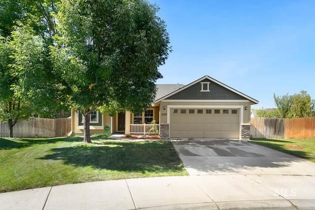 2397 N Buzzsaw Circle, Kuna, ID 83634 (MLS #98819871) :: Build Idaho