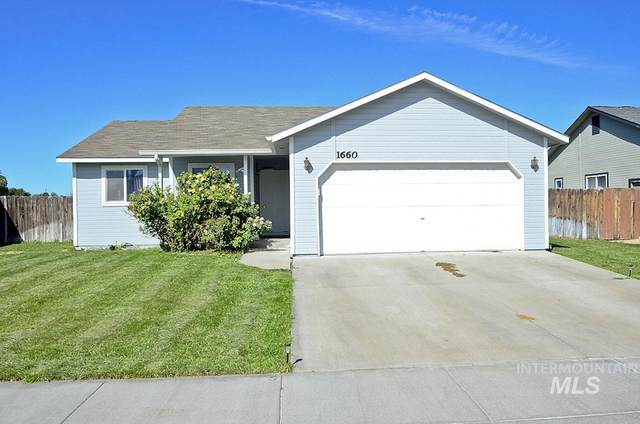 1660 Peregrine Dr, Mountain Home, ID 83647 (MLS #98819885) :: Epic Realty