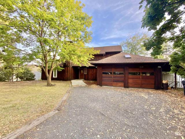 1029 Colt, Moscow, ID 83843 (MLS #98819956) :: The Bean Team