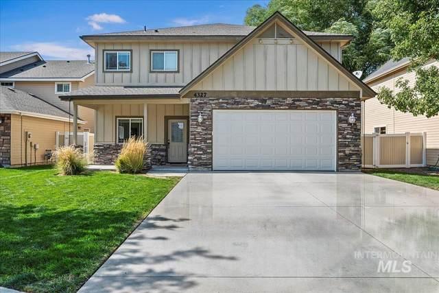 4327 N Heritage Woods Way, Meridian, ID 83646 (MLS #98819982) :: City of Trees Real Estate