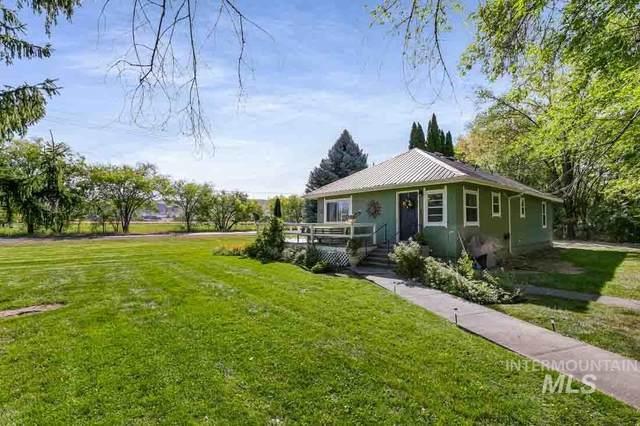 2415 S Johns Ave, Emmett, ID 83617 (MLS #98819994) :: Minegar Gamble Premier Real Estate Services
