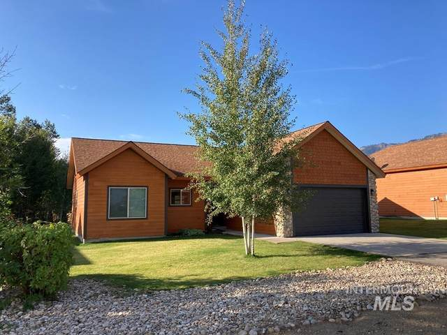 21 Price St, Donnelly, ID 83615 (MLS #98820057) :: The Bean Team