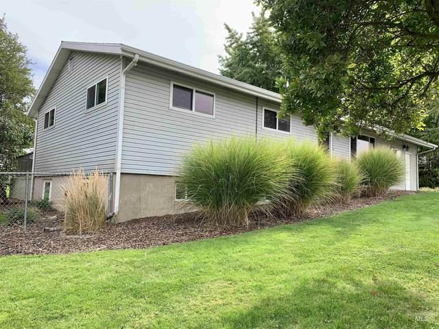 3313 14th St., Lewiston, ID 83501 (MLS #98820058) :: Story Real Estate