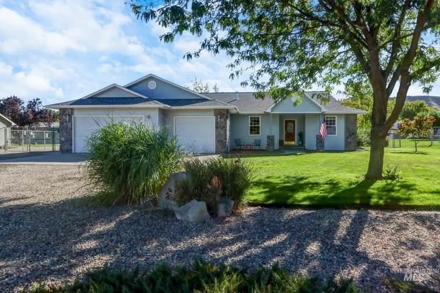 800 Clifford, Emmett, ID 83617 (MLS #98820063) :: Minegar Gamble Premier Real Estate Services