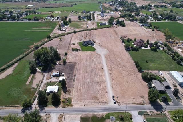 1950 Dove Crossing Lane, Emmett, ID 83617 (MLS #98820101) :: Navigate Real Estate