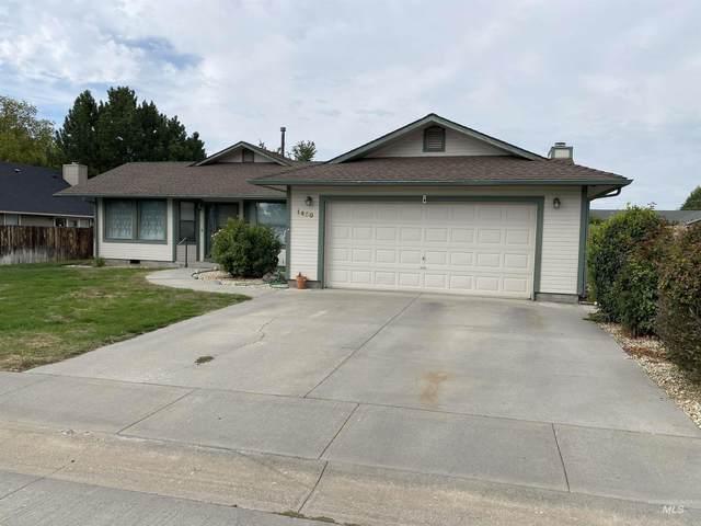 1450 Centennial Drive, Mountain Home, ID 83647 (MLS #98820183) :: The Bean Team