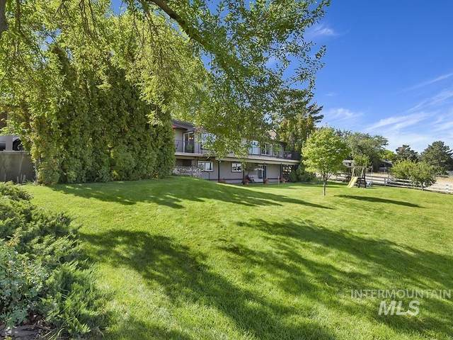 1355 S Black Cat Rd, Meridian, ID 83642 (MLS #98820212) :: Boise River Realty